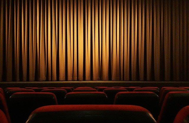 cinema-4609877_640