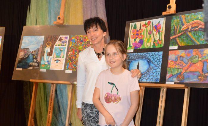 Laureatka wraz z nauczycielką
